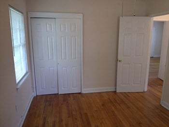 1621 Oxmoor Road 2 Beds Apartment for Rent Photo Gallery 1